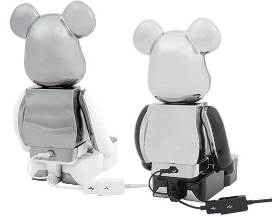 medicom-bearbrick-ipod-iphone-speaker-system-2