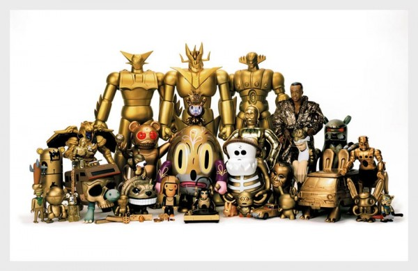 daniel-geo-fuchs-toy-giants-exhibition-600x389