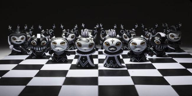 kidrobot-shah-mat-dunny-series-2