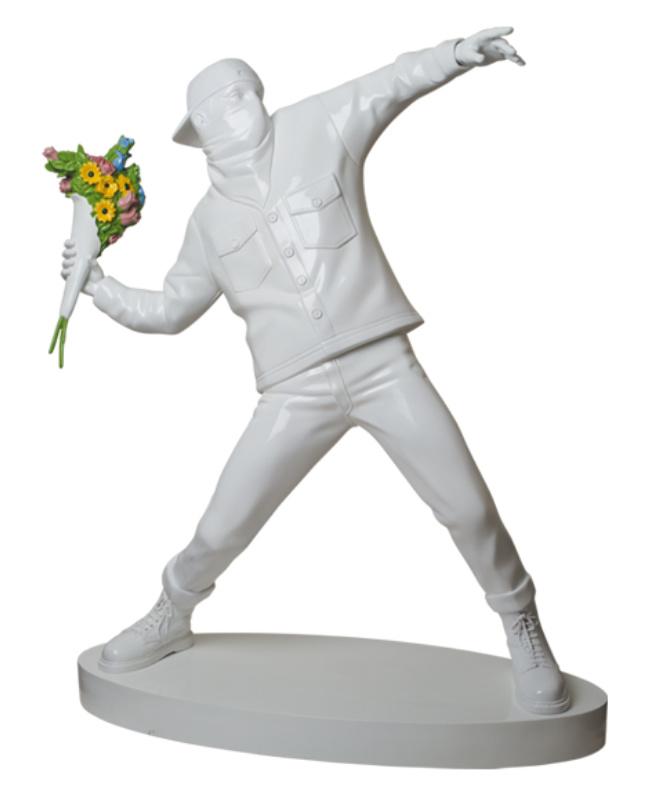 medicom-toy-brandalism-flower-bomber-3ft-statue-1